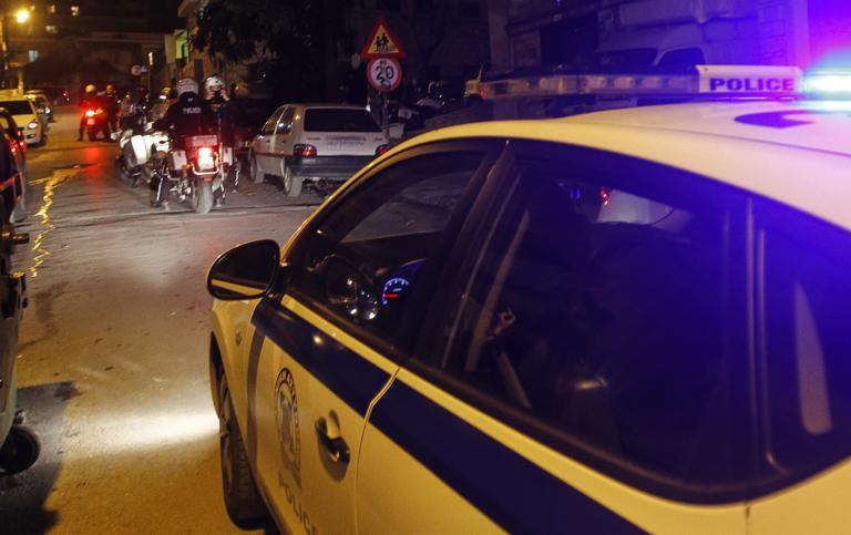 Έκλεψαν δύο γεμιστήρες με σφαίρες και χειροπέδες από αυτοκίνητο αστυνομικού