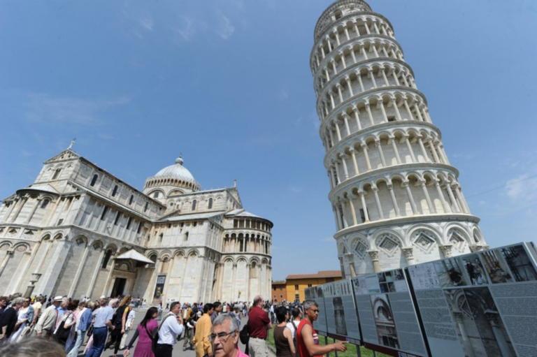 Ο Πύργος που γέρνει επί 1000 χρόνια