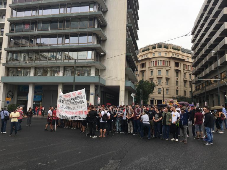 Απεργία: Υπό βροχή οι πορείες – Κλειστοί όλοι οι δρόμοι στο κέντρο