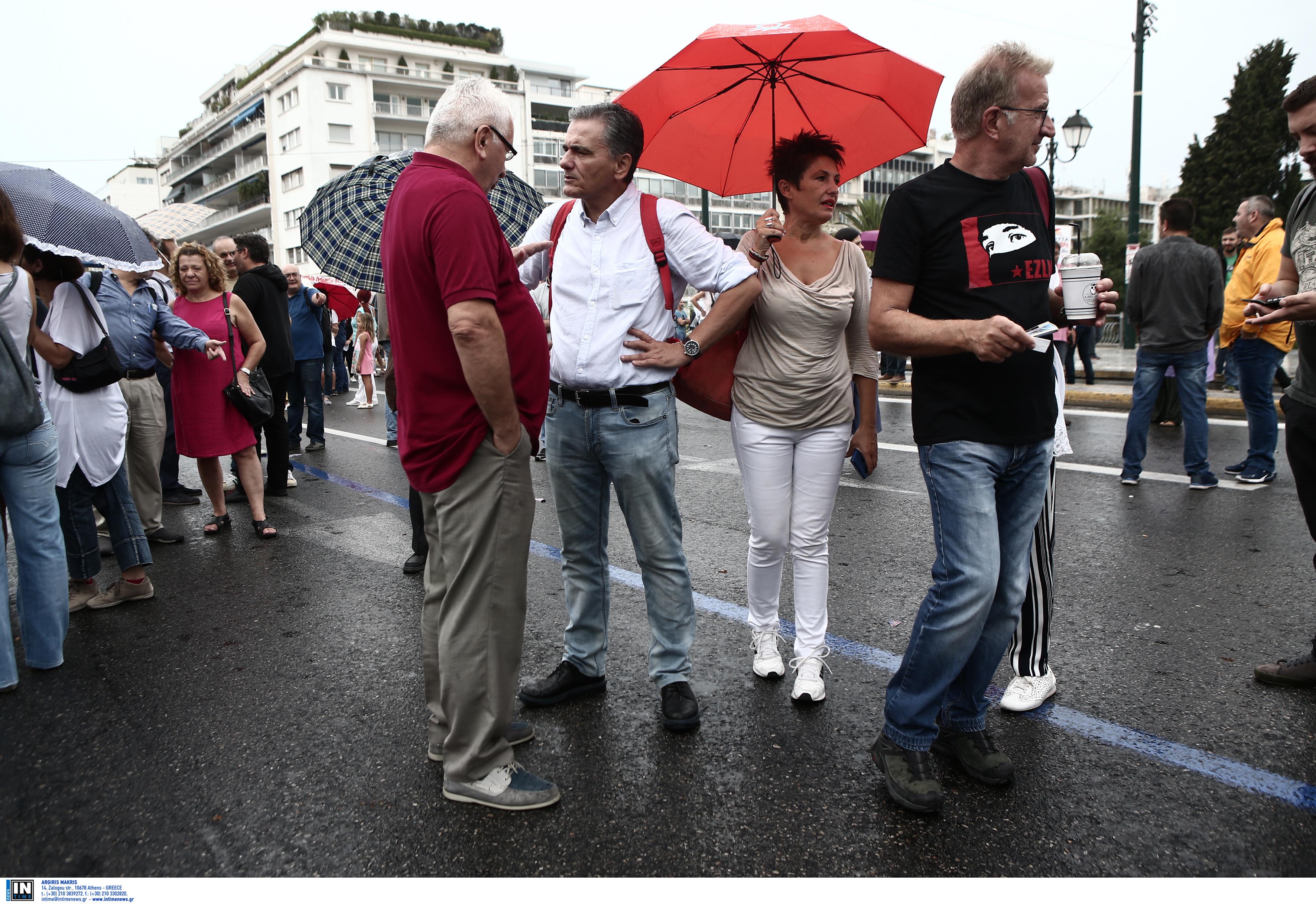 Ο Τσακαλώτος δεν έχει δικαίωμα ούτε σε πορεία, ούτε σε απεργία – Άγριο κράξιμο από την ΑΔΕΔΥ