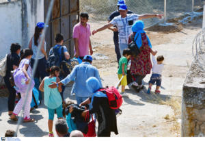 Κουμουτσάκος για προσφυγικό: Ανοιχτό το ενδεχόμενο να ενεργοποιηθεί ο μηχανισμός υποχρεωτικής ανακατανομής
