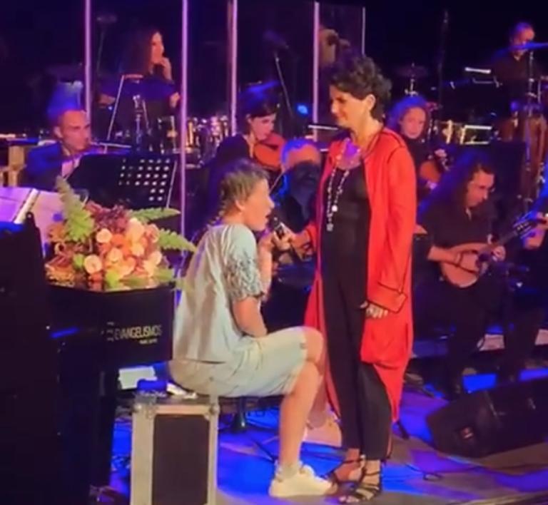 Άλκηστις Πρωτοψάλτη: Η συναυλία και το τραγούδι της μικρής Νεφέλης που δεν θα ξεχάσει ποτέ!