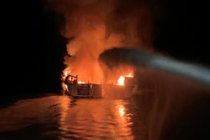 Τραγωδία Καλιφόρνια: Βρέθηκαν τέσσερις σοροί επιβαινόντων του σκάφους που κάηκε και βυθίστηκε