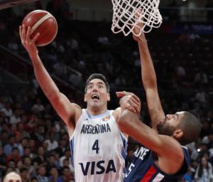 Μουντομπάσκετ 2019: «Τρελό» καλάθι από τον 39χρονο Σκόλα! – video