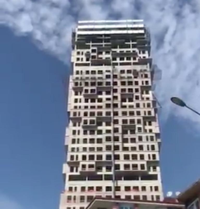 Σεισμός στην Κωνσταντινούπολη: Η στιγμή που σείεται κτίριο! [video]