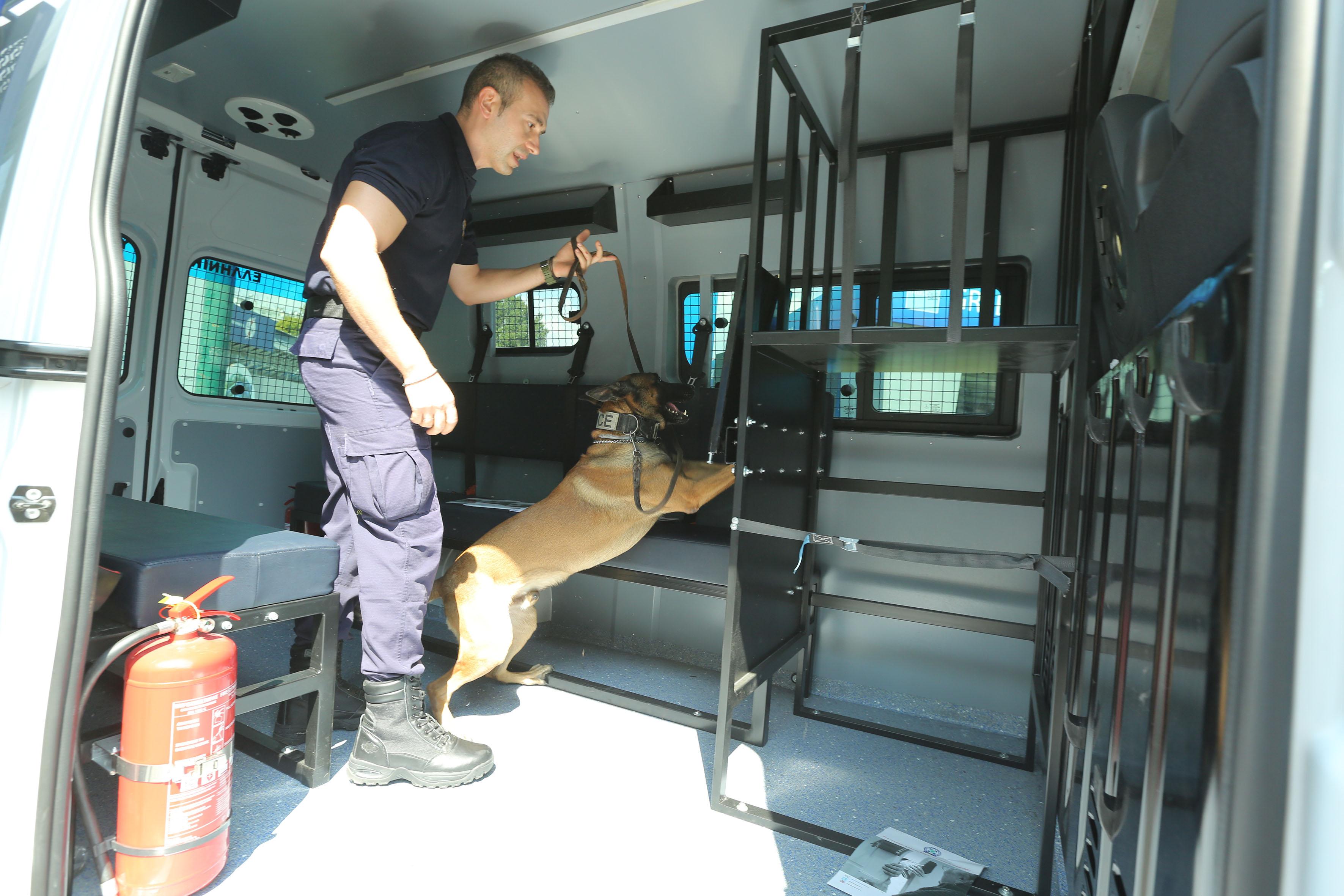 Οι αστυνομικοί σκύλοι που κλέβουν την παράσταση στη ΔΕΘ [pics]