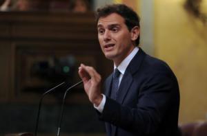 Ισπανία: Ραγδαίες πολιτικές εξελίξεις με τον Σάντσεθ… στα σχοινιά!