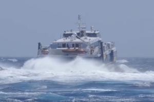 Φολέγανδρος: Η μάχη του Supercat με τα κύματα στο Αιγαίο – Ταξίδι στα 7 μποφόρ