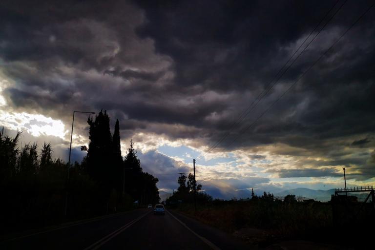 Καιρός αύριο: Που θα πέσουν βροχές και καταιγίδες – «Βουτιά» της θερμοκρασίας