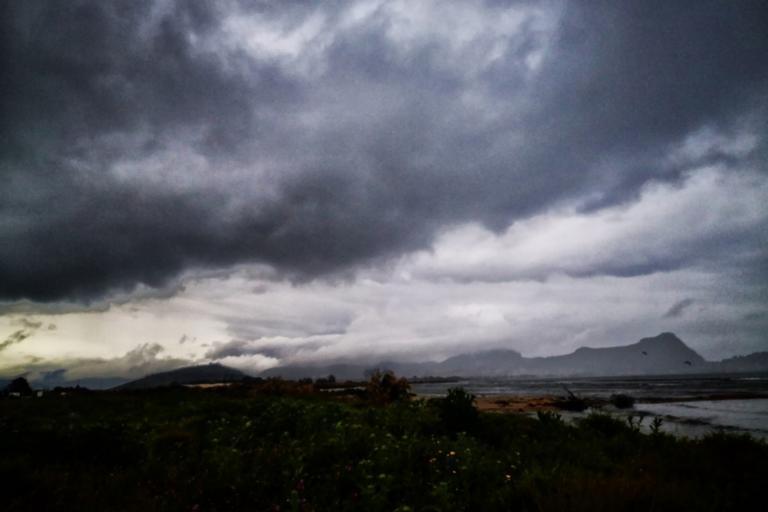 Καιρός αύριο: Τοπικές βροχές και καταιγίδες – Δυναμώνουν τα μποφόρ
