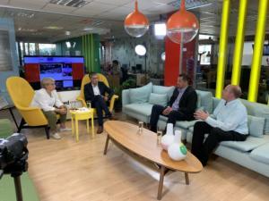 Newsit – σύσκεψη: Ο Τσίπρας… εκτός, ο αείμνηστος Μητσοτάκης και η Novartis