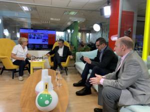 Newsit – σύσκεψη: Ελληνικό, Novartis και… αποκαλύψεις