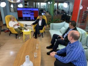 Newsit – σύσκεψη: Η ανακοίνωση για απόσυρση ΙΧ, η ΕΡΤ και το προσφυγικό
