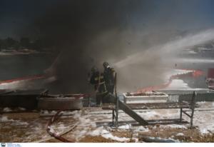 Χαλκιδική: Πυρκαγιά σε θαλαμηγό με 6 άτομα