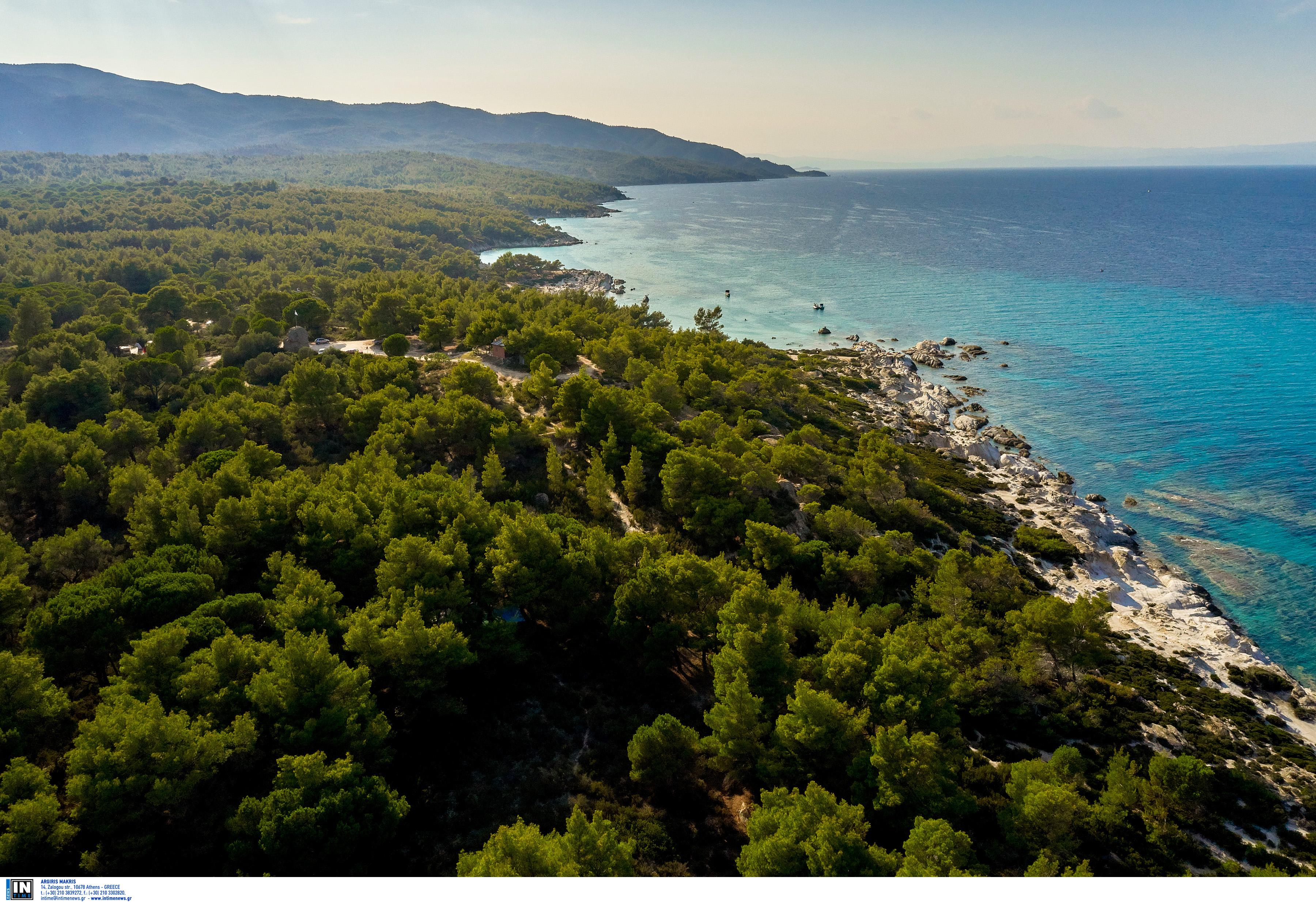 Καιρός: Το μελτέμι «πάγωσε» τις θάλασσες – Το Ιόνιο πιο ζεστό από το Αιγαίο!