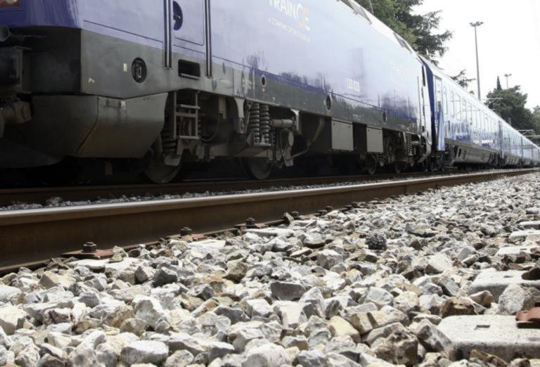 Μαλακάσα: Έφυγαν οι αλλοδαποί που είχαν αποκλείσει τη γραμμή των τρένων