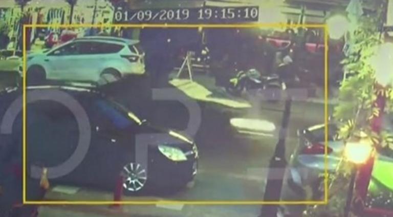 Χαλκιδική: Βίντεο ντοκουμέντο με το αυτοκίνητο που σκότωσε πατέρα μπροστά στη σύζυγο και τα δύο παιδιά του – video