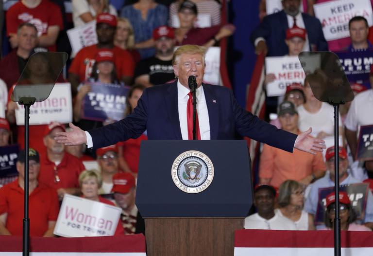«Ιδρώνει» ο Τραμπ για την Βόρεια Καρολίνα – Κρίσιμες τοπικές εκλογές που μπορεί να κρίνουν την προεδρία των ΗΠΑ