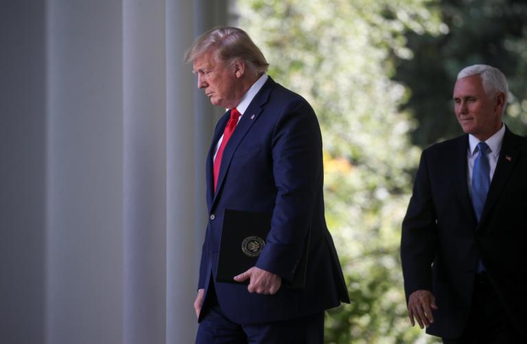 Σάλος στις ΗΠΑ: Ο Τραμπ έστειλε τον Πενς στο ξενοδοχείο του και τον… χρέωσε
