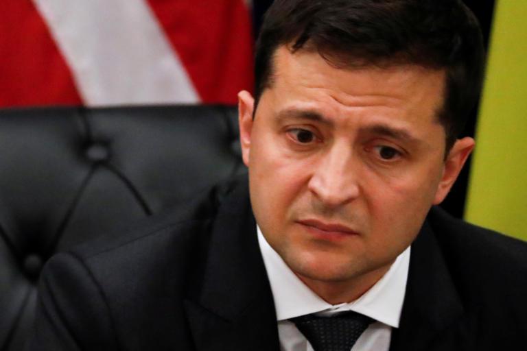 Ουκρανία: Ο Βολοντίμιρ Ζελένσκι απέλυσε τον επικεφαλής των ενόπλων δυνάμεων