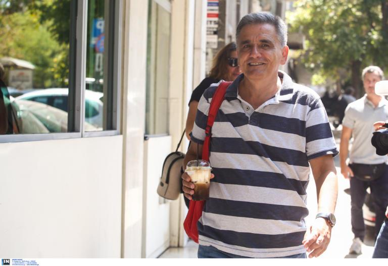 Τσακαλώτος: Ο Χριστός πολλαπλασίαζε καρβέλια και ψάρια, ο Μητσοτάκης φορολογικά έσοδα…