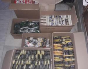 """""""Ξετρύπωσαν""""… σχεδόν 3.000 πακέτα λαθραία τσιγάρα! 8 συλλήψεις – video"""