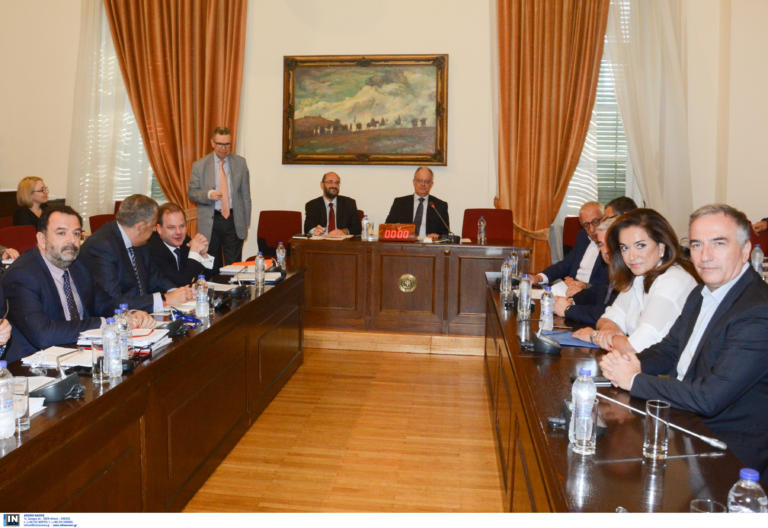 Κόντρες ΣΥΡΙΖΑ – ΝΔ στην Βουλή για την επιλογή Ταχιάου