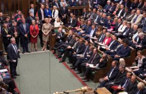 Brexit: Δεν σταματούν οι «σφαλιάρες» στον Τζόνσον! «Όχι» από την Βουλή σε πρόωρες εκλογές στις 15 Οκτωβρίου