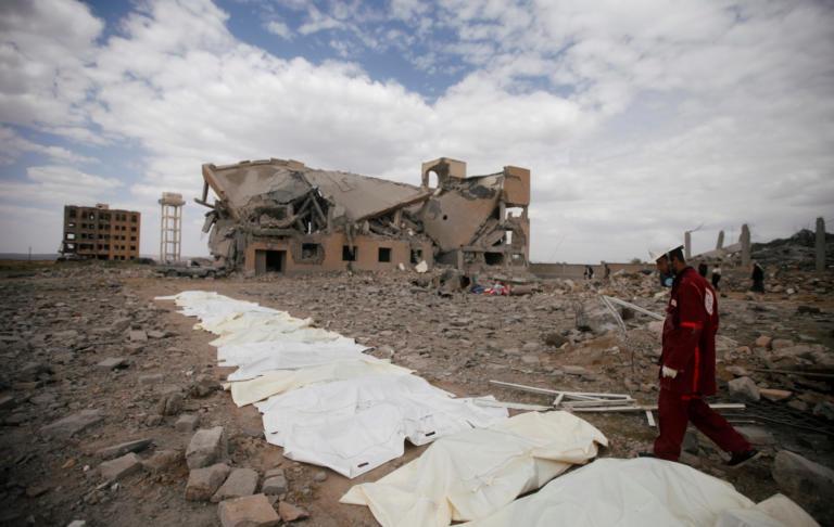 Υεμένη: 100 και πλέον νεκροί από βομβαρδισμούς!