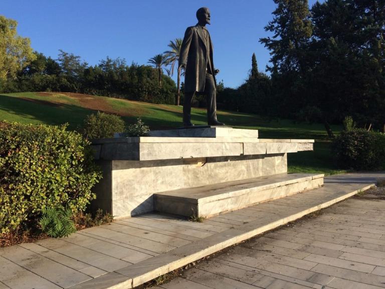 """""""Επιχείρηση κάθαρση"""" στο Πάρκο Ελευθερίας από το Δήμο Αθηναίων"""