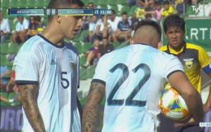 """Παίκτες της Αργεντινής """"τσακώθηκαν"""" για μια εκτέλεση πέναλτι! Video"""