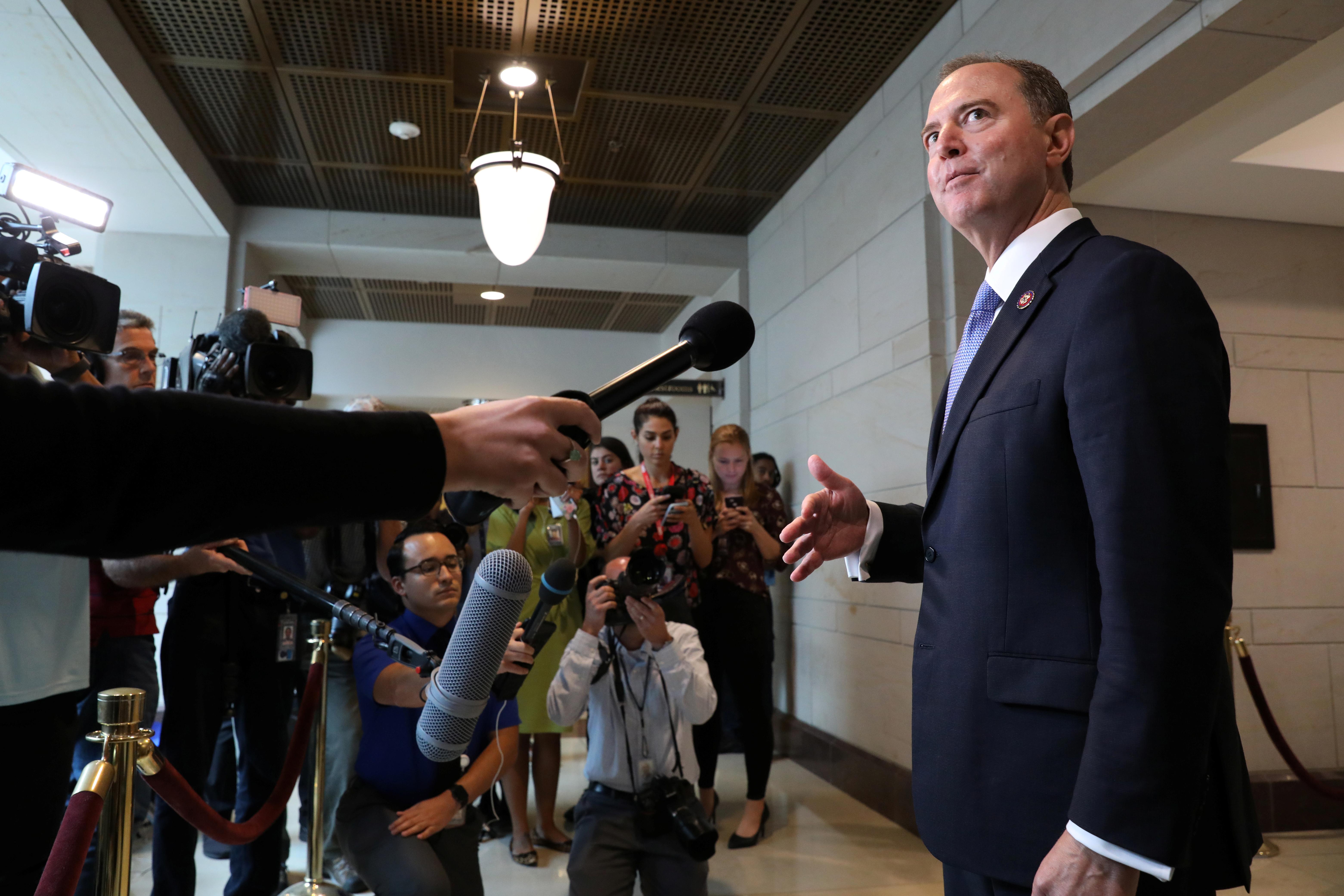 Οι Ρεπουμπλικάνοι στοχοποιούν τον Σιφ που πρωτοστατεί στην έρευνα παραπομπής του Τραμπ