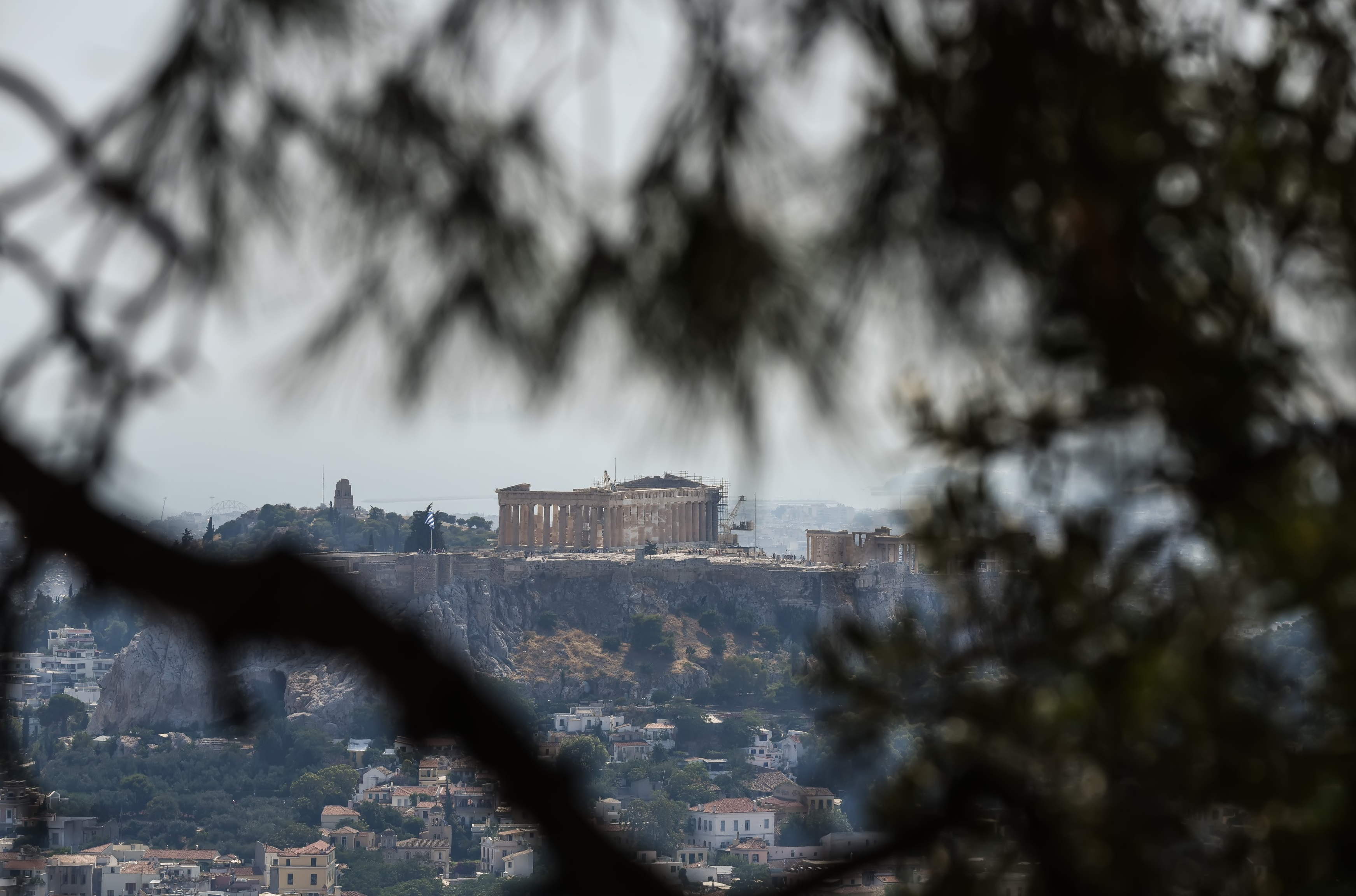 """""""Πρέπει να γίνει μεγάλη ελάφρυνση στο χρέος της Ελλάδας"""" - """"Να... τρέξει τις μεταρρυθμίσεις ο Μητσοτάκης""""!"""