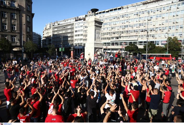 """Ερυθρός Αστέρας – Ολυμπιακός: """"Έβαψαν"""" το Βελιγράδι! Με πορεία στο γήπεδο – video, pics"""