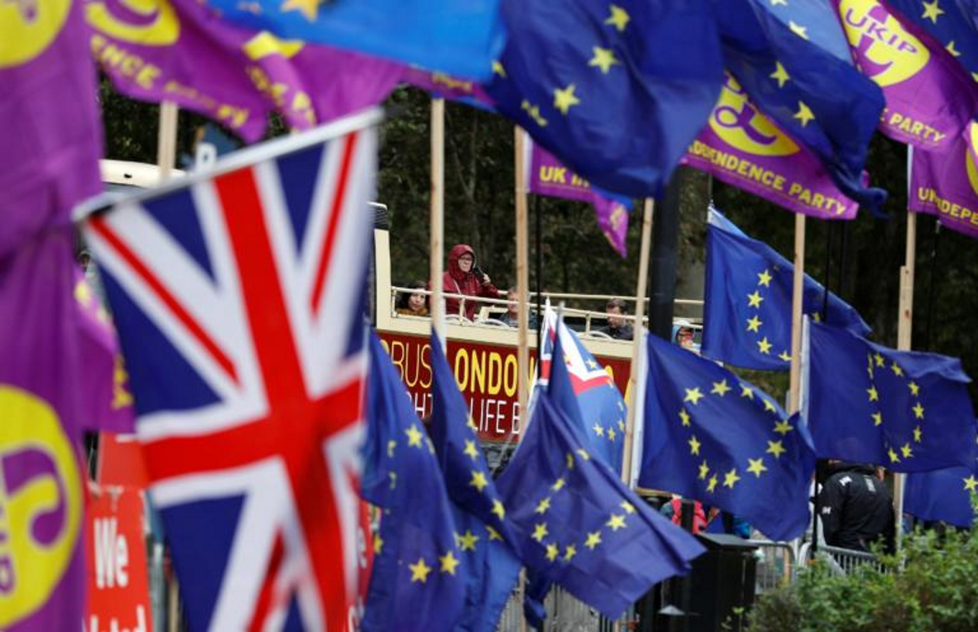 "Brexit: Οι συνομιλίες για το διαζύγιο έχουν ""κολλήσει"" – Deadline η 31η Οκτωβρίου!"