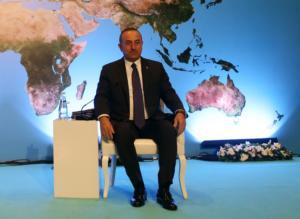 """Τσαβούσογλου: Στρώνει το """"χαλί"""" για το ραντεβού Πούτιν – Ερντογάν"""