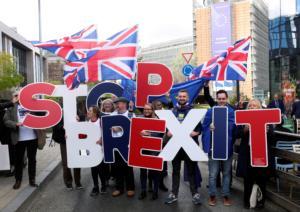 Brexit: Όλοι κατά της Συμφωνίας Τζόνσον – Βρυξελλών! Νέο δημοψήφισμα ζητά ο Κόρμπιν