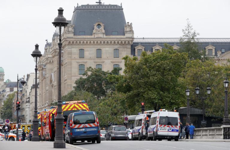 Δεν έρχεται ο Γάλλος υπουργός Εσωτερικών λόγω του μακελειού στο Παρίσι!