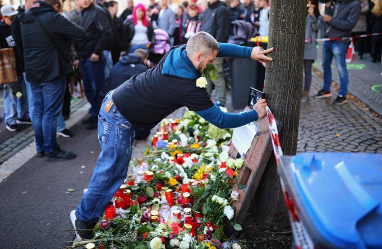 Μέρκελ – Σταϊνμάιερ για Χάλε: «Όχι στα εγκλήματα μίσους – Να προστατεύσουμε τους Εβραίους»