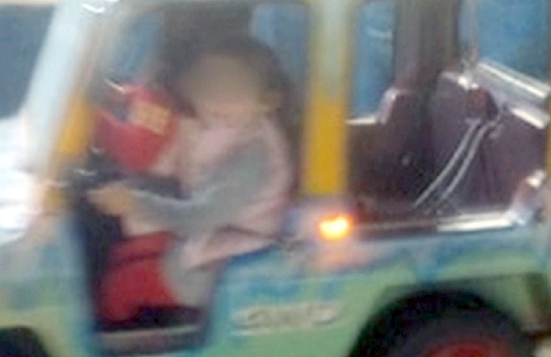 """""""Είδα το παιδί μου να κρέμεται""""! Ντοκουμέντο από το λούνα παρκ που τραυματίστηκε η τρίχρονη"""