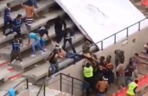 Μεξικό: Σκηνές χάους! Απίστευτο ξύλο σε αγώνα – Πετροπόλεμος και μάχες σώμα με σώμα