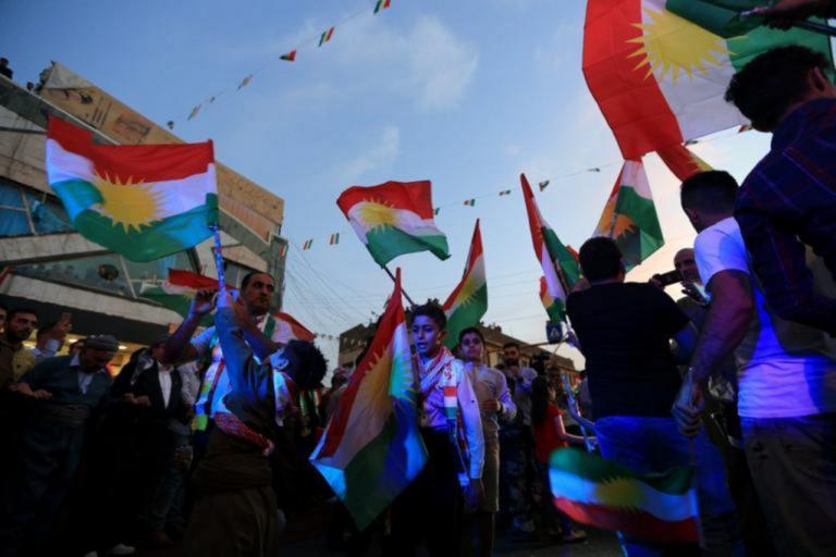 Χιλιάδες Κούρδοι του Ιράκ διαδήλωσαν κατά της τουρκικής επέμβασης στη Συρία
