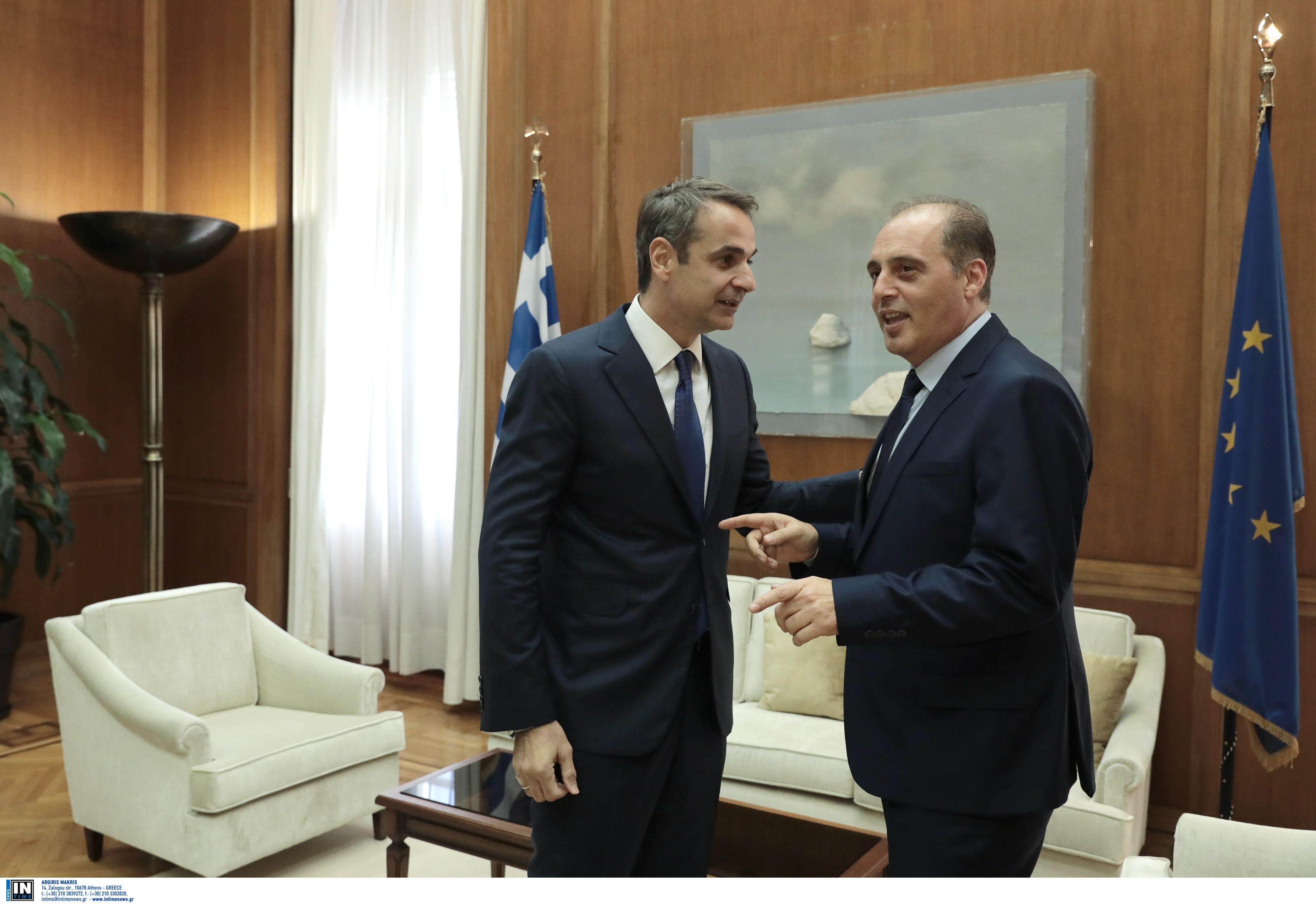 """Βελόπουλος: """"Δεν μπορεί να ψηφίζει ο κάθε ελληνοποιημένος Ιμπραήμ, Χασάν και να μην ψηφίζει ο Γιώργος, ο Νίκος...""""!"""