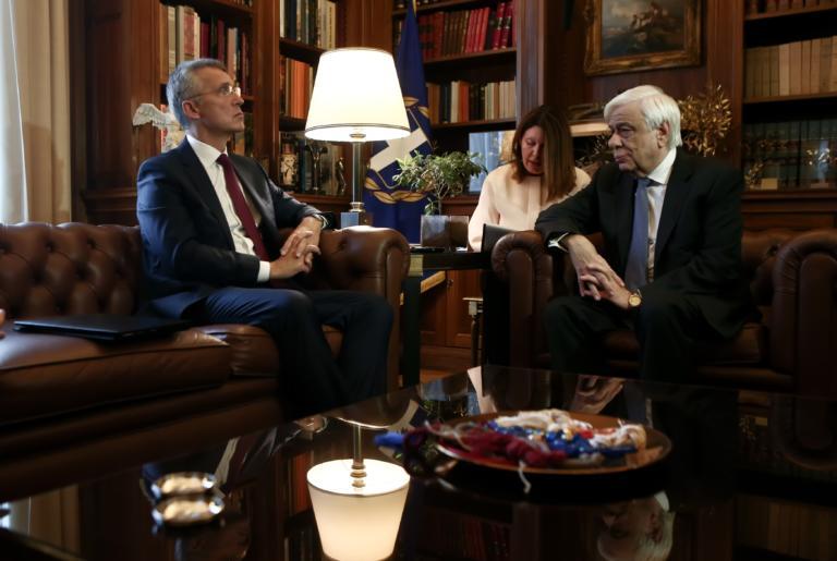 Παυλόπουλος στον γραμματέα του NATO: Άκρως επικίνδυνη η τουρκική εισβολή στη Συρία!