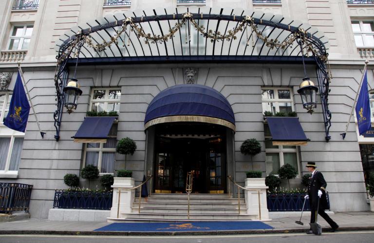 Πωλητήριο στο διάσημο ξενοδοχείο Ritz του Λονδίνου! Το ιλιγγιώδες ποσό για την αγορά του