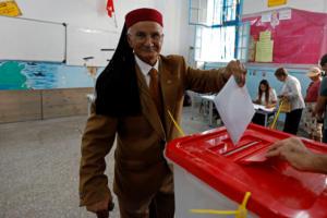 Τυνησία: Έκλεισαν οι κάλπες – Μικρή η συμμετοχή