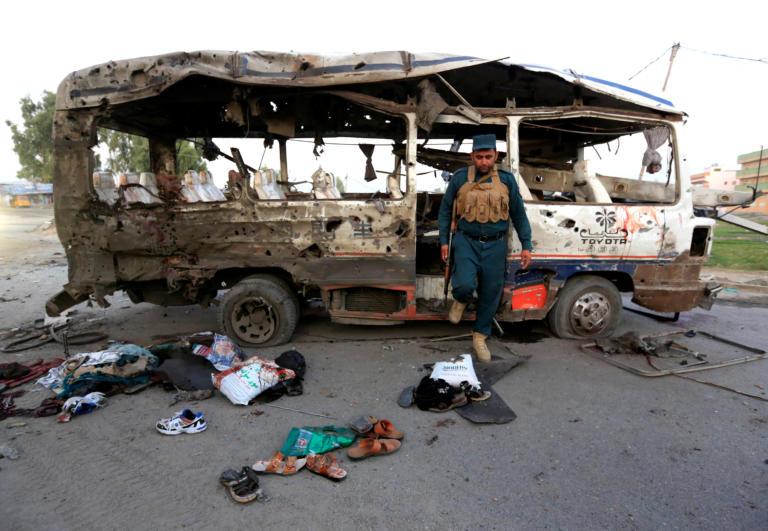 Αφγανιστάν: Τουλάχιστον δέκα νεκροί σε επίθεση εναντίον στρατιωτικού οχήματος στην Τζαλαλαμπάντ