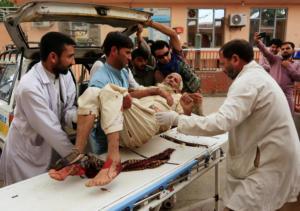 Αφγανιστάν: Τους σκότωσαν την ώρα της προσευχής! Στους 62 οι νεκροί στο τέμενος