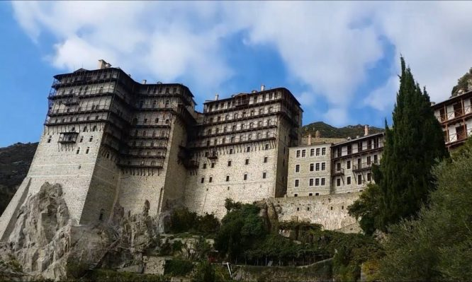 Άγιον Όρος: Περισσότεροι από 250.000 προσκυνητές ετησίως