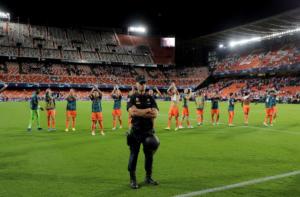 Champions League: Τιμώρησε Άγιαξ η UEFA! Χωρίς οπαδούς με Τσέλσι και Λιλ